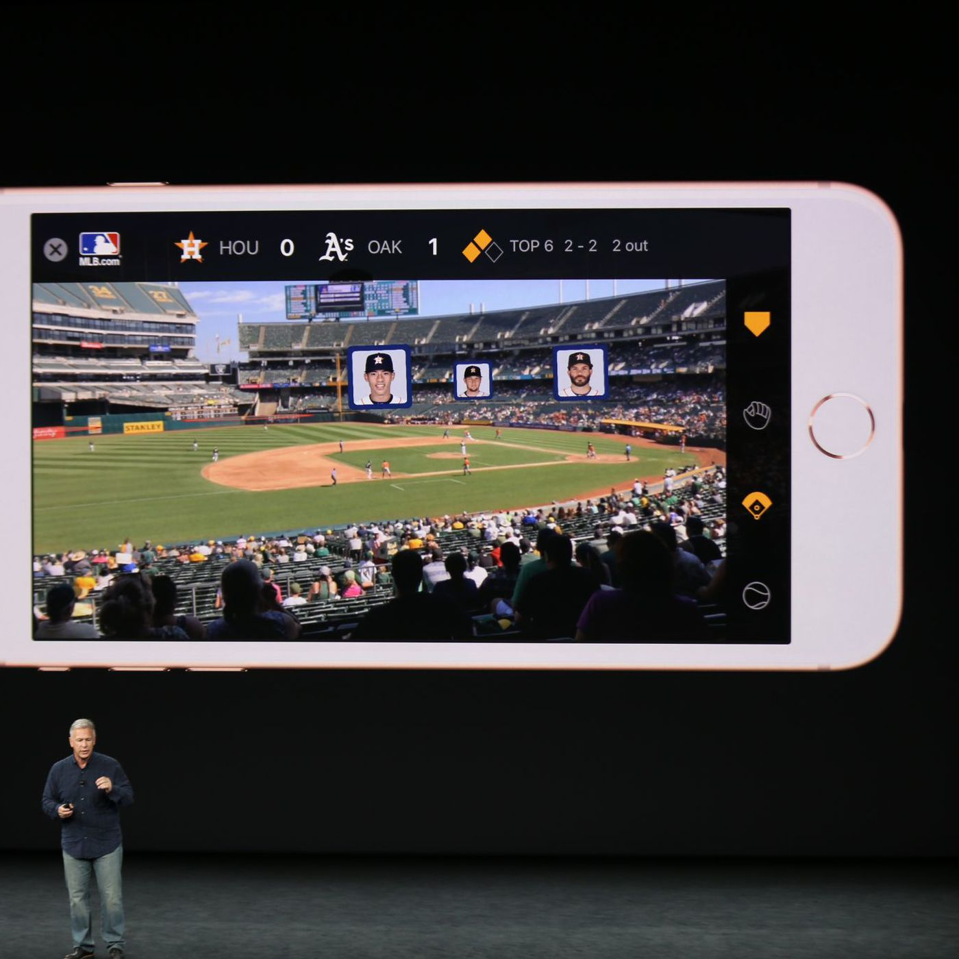 Apple shows off breathtaking new augmented reality demos on