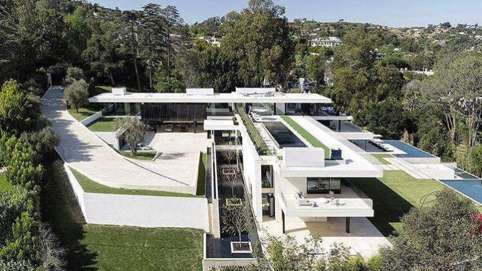 Beyonc 233 And Jay Z Reportedly Offer 120m For Bel Air