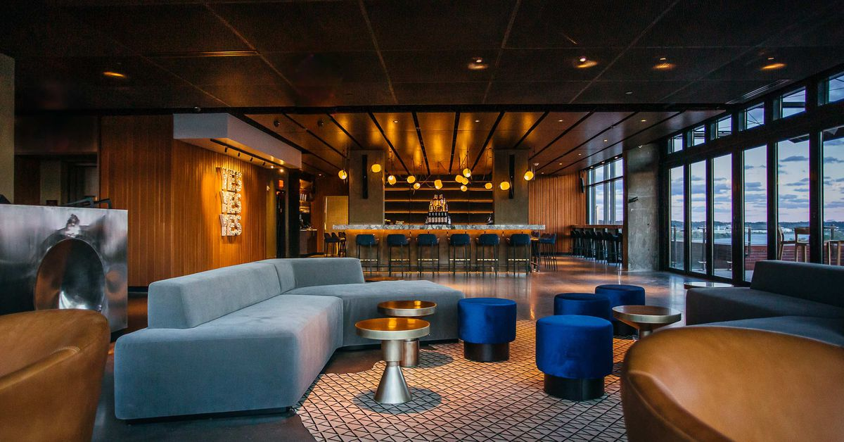 12 Stories Rooftop Bar Opens In Style In The Wharf