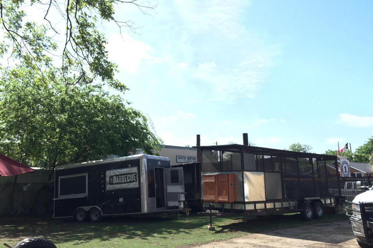 La Barbecue's pits