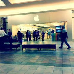 """Oxmoore Mall in Louisville, Kentucky, via <a href=""""http://twitpic.com/48jnn5"""" rel=""""nofollow"""">@michaelschultz</a>"""