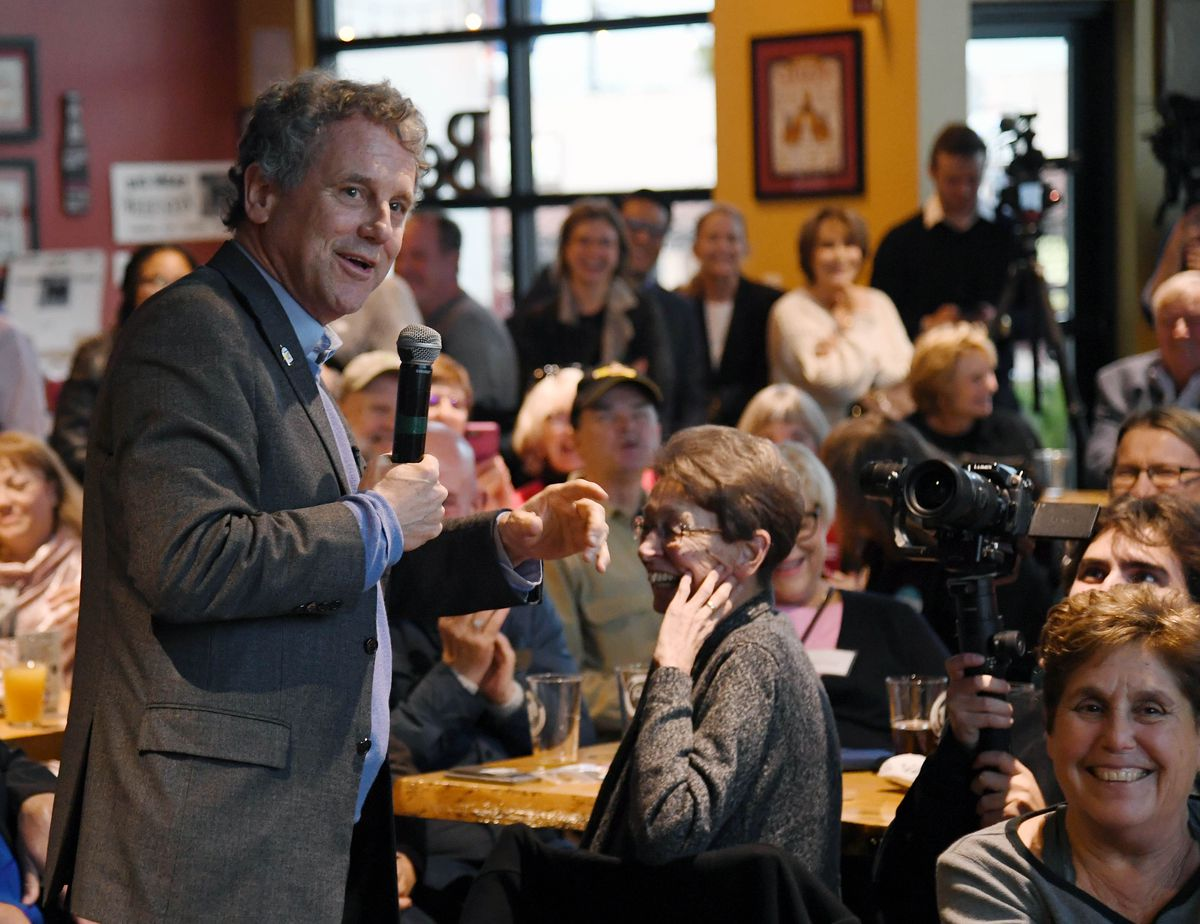 Sen. Sherrod Brown (D-OH) Meets With Nevada Voters In Henderson