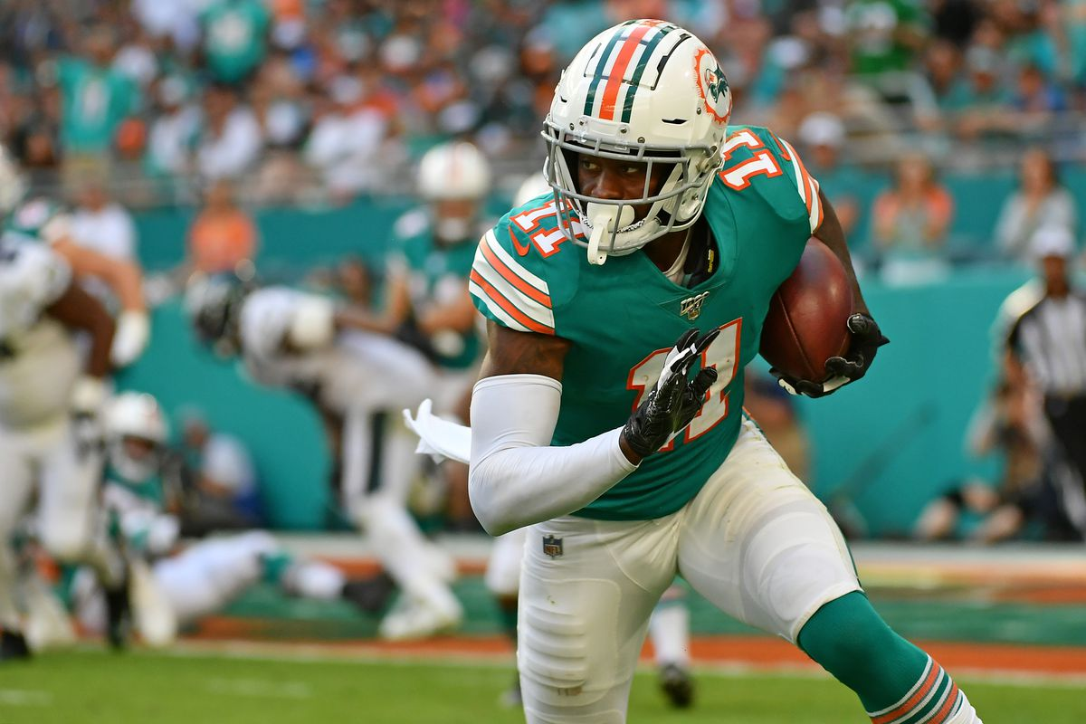 Miami Dolphins wide receiver DeVante Parker runs the ball after a catch during the second half against the Philadelphia Eagles at Hard Rock Stadium.
