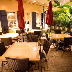 "3.) The courtyard at <a href=""http://nola.eater.com/tags/doris-metropolitan"">Doris Metropolitan</a>, for a romantic evening."
