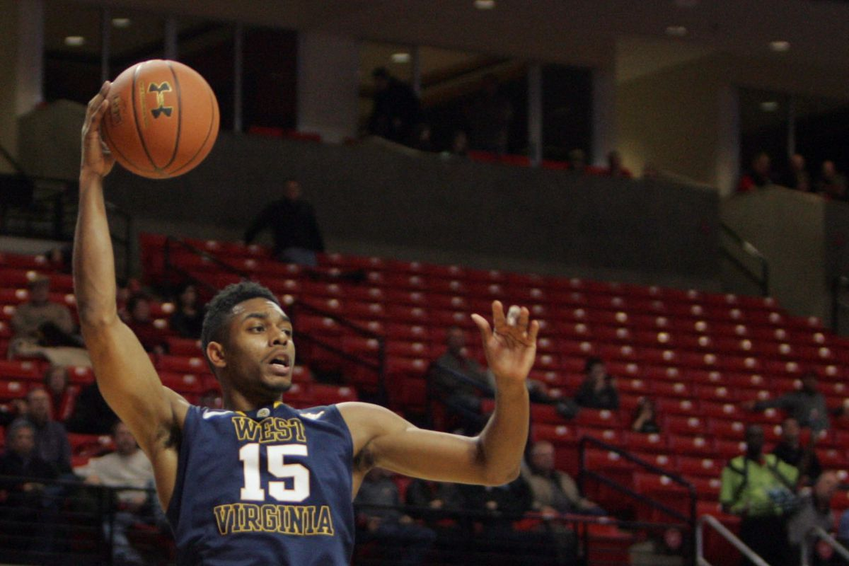 Terry Henderson and the Mountaineers defeat Texas Tech 89-86 in overtime.