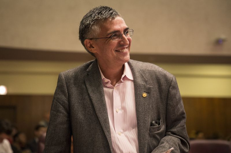 Former Ald. Ricardo Munoz (22nd) at a Chicago City Council meeting in 2018.