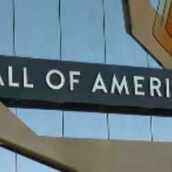 The Mall of America has encouraged other store owners to do the same and shut down on Turkey Day.