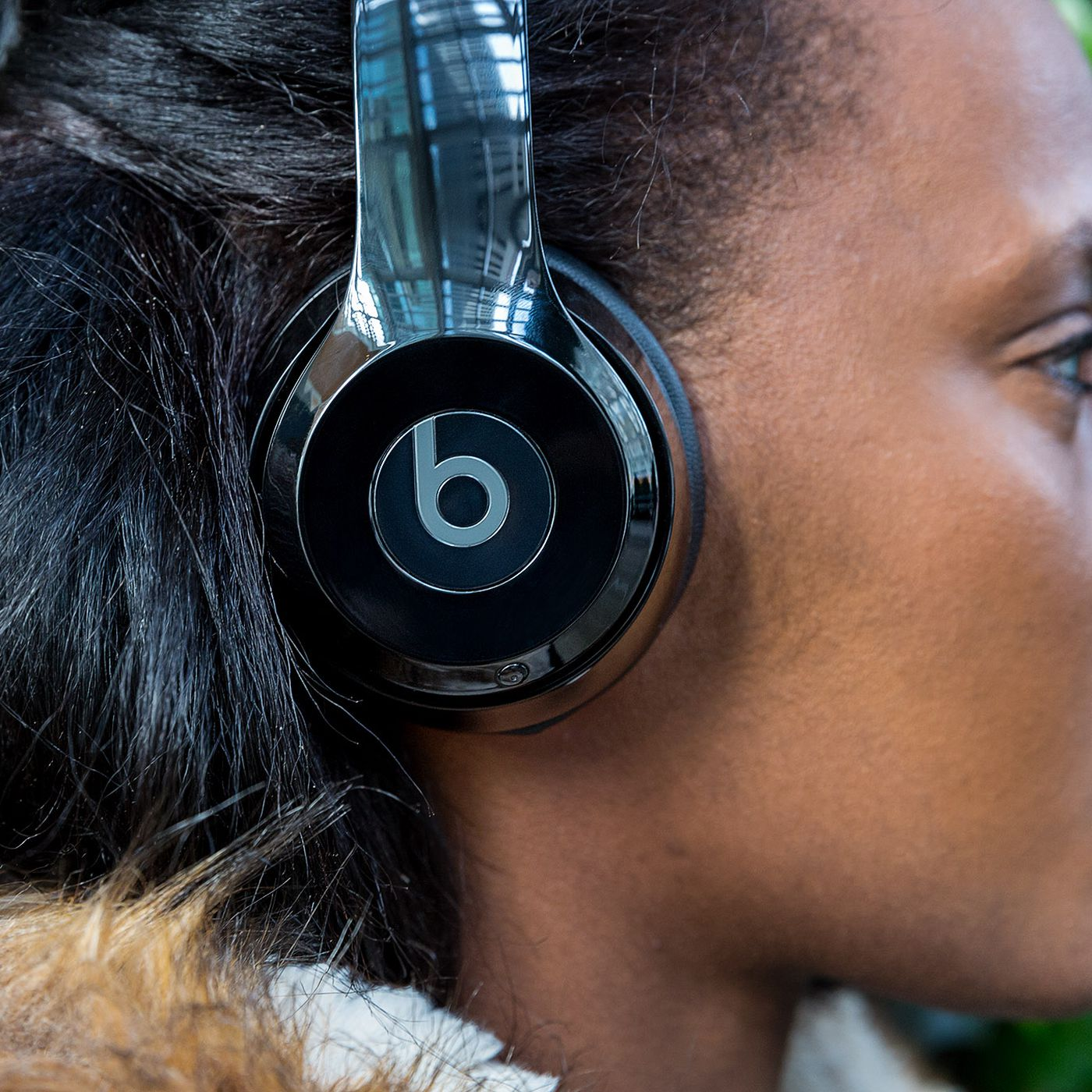 Beats Solo 3 review: decent sound, better wireless - The Verge