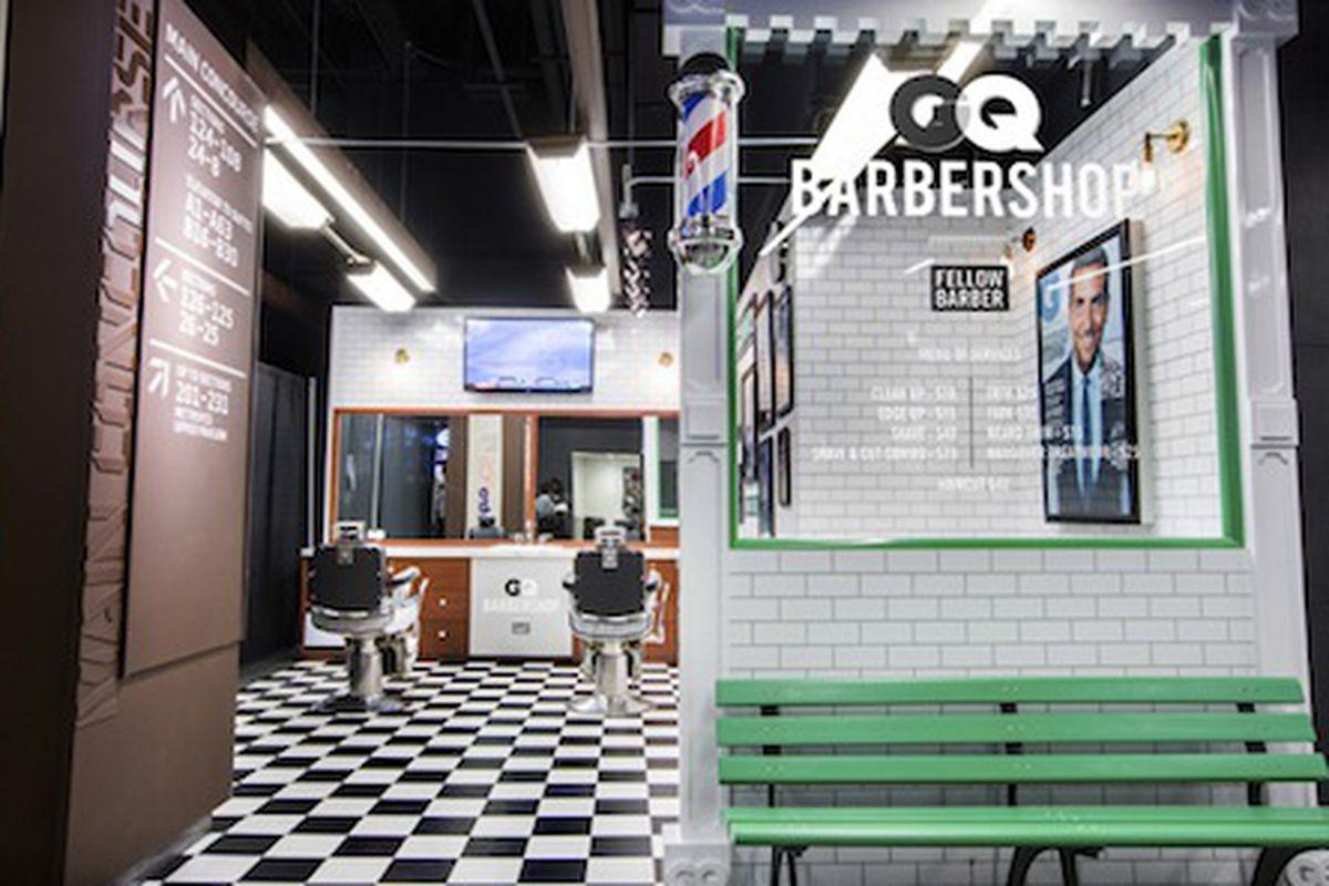 "Photo via <a href=""http://www.gq.com/style/blogs/the-gq-eye/2014/01/gq-barbershop-barclays-center.html"">GQ</a>"