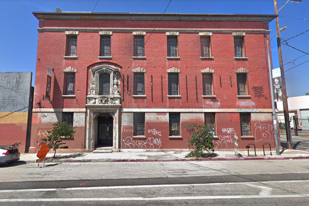 Former feminist mecca in chinatown could become los for Recycled building materials los angeles