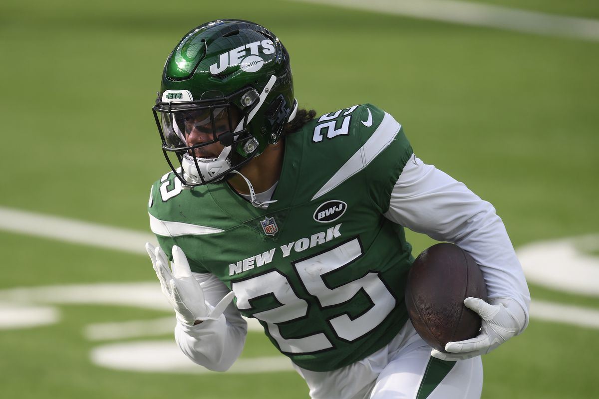 Ty Johnson #25 of the New York Jets warms up before the game against the Los Angeles Rams at SoFi Stadium on December 20, 2020 in Inglewood, California.