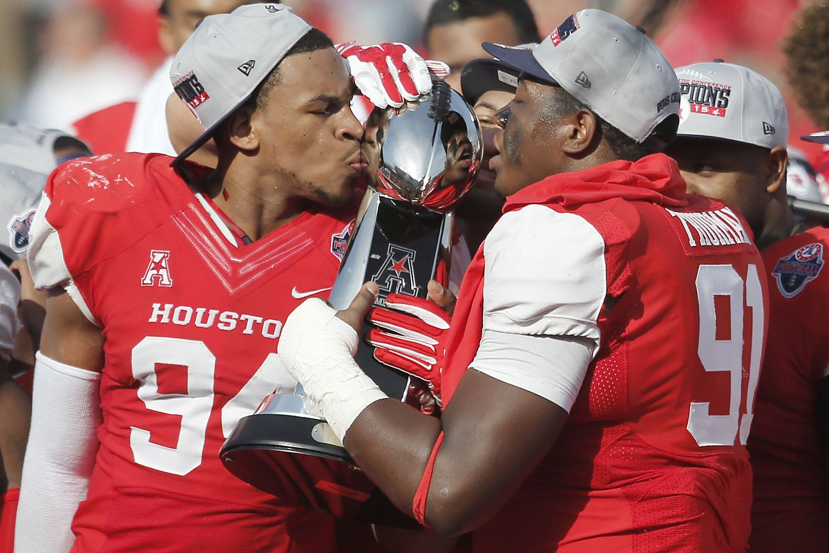 e1bf46ea136 The Houston Cougars deserve to be in the CFP Top 10