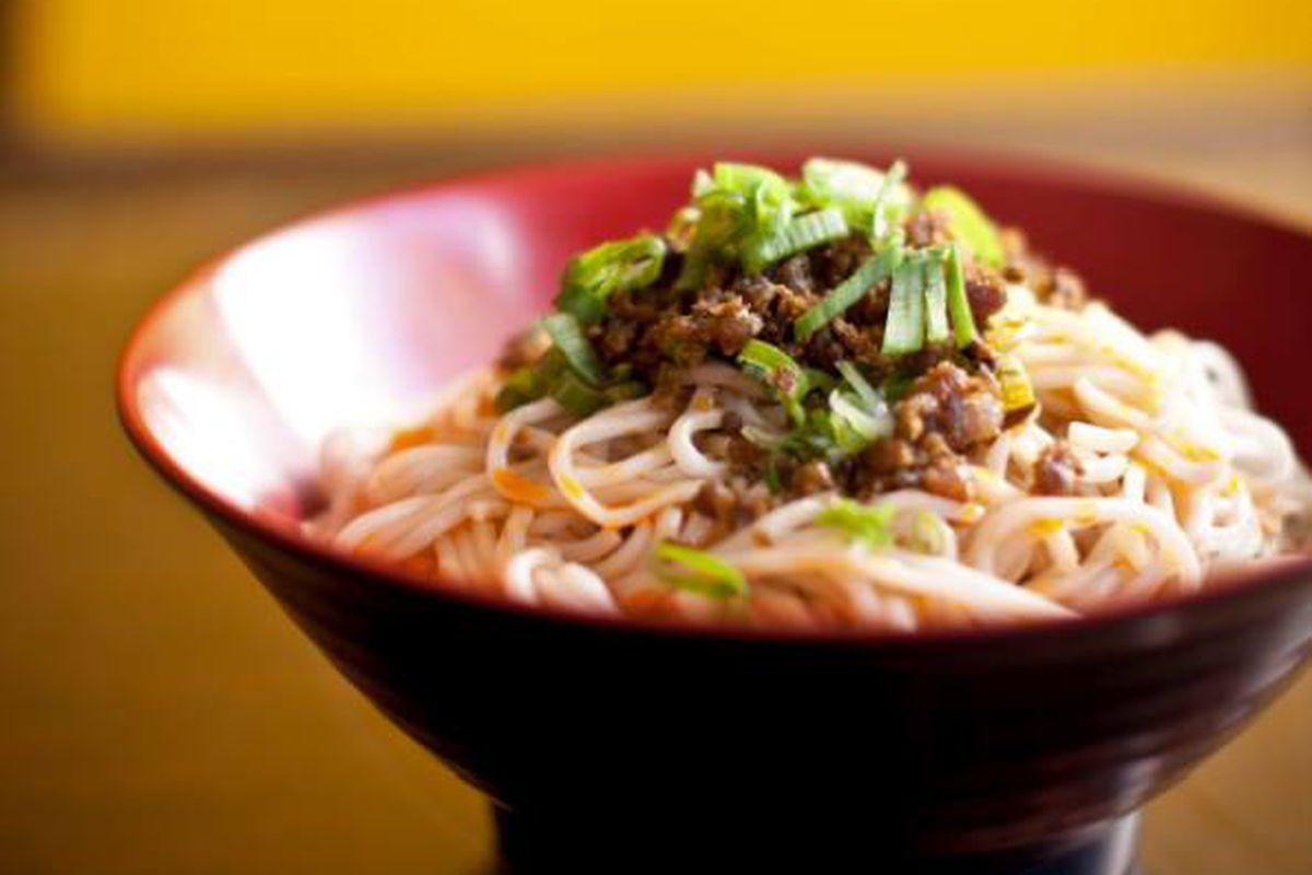 Han Dynasty dan dan noodles
