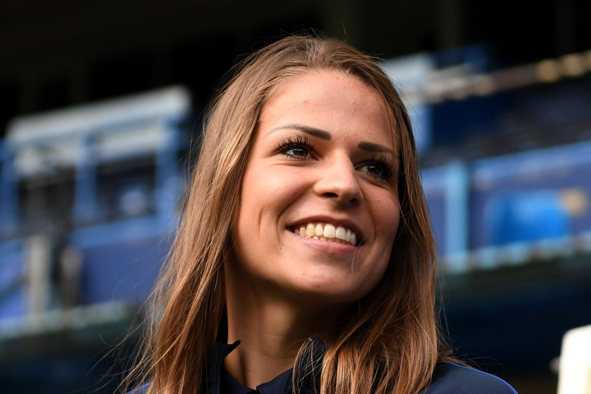 Chelsea Women Unveil New Signing Melanie Leupolz