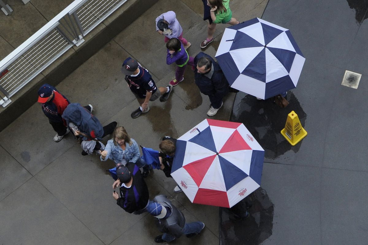 Rain delay in Minnesota for the Indians and Twins. How will it affect everything if it is canceled?