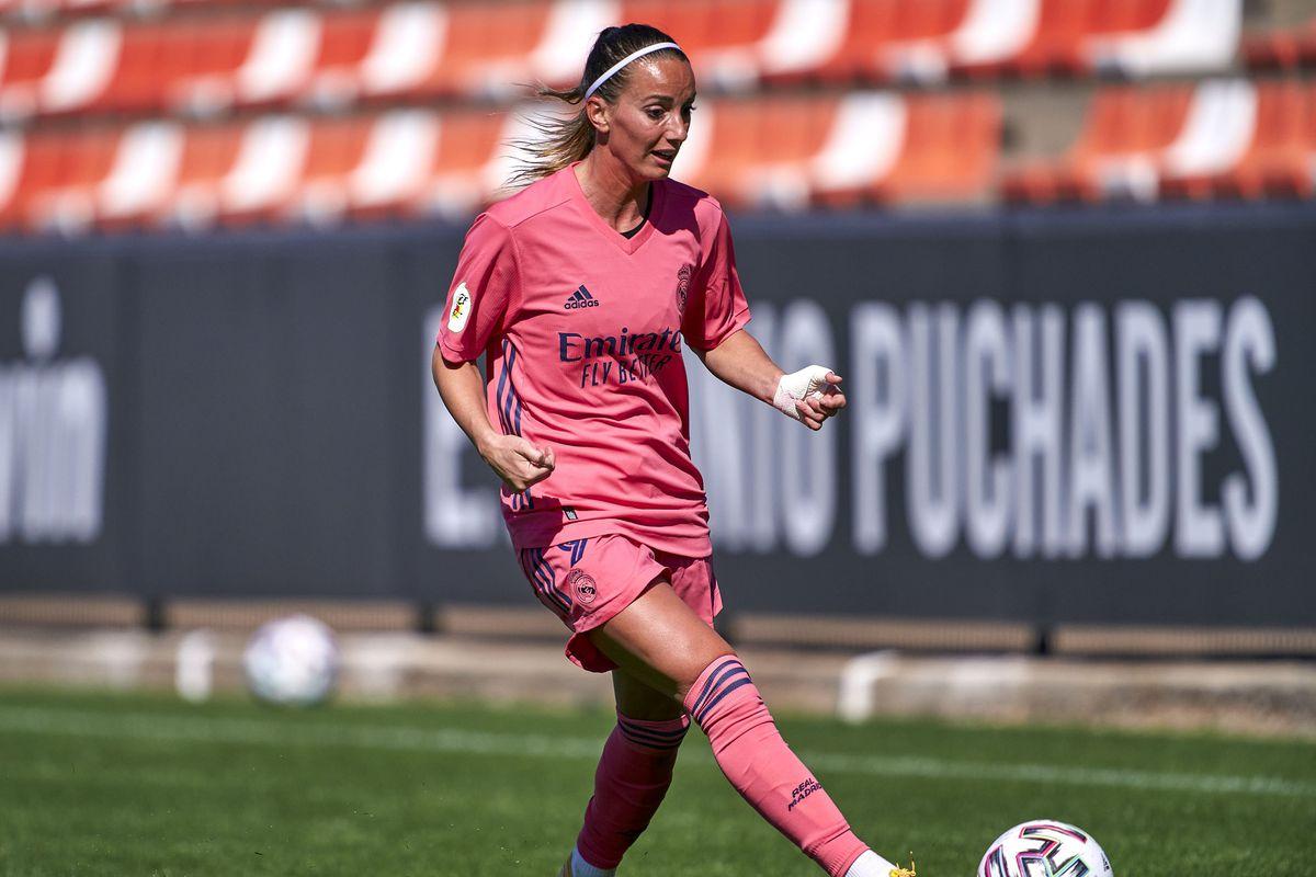 Valencia CF v Real Madrid - Primera Division Femenina