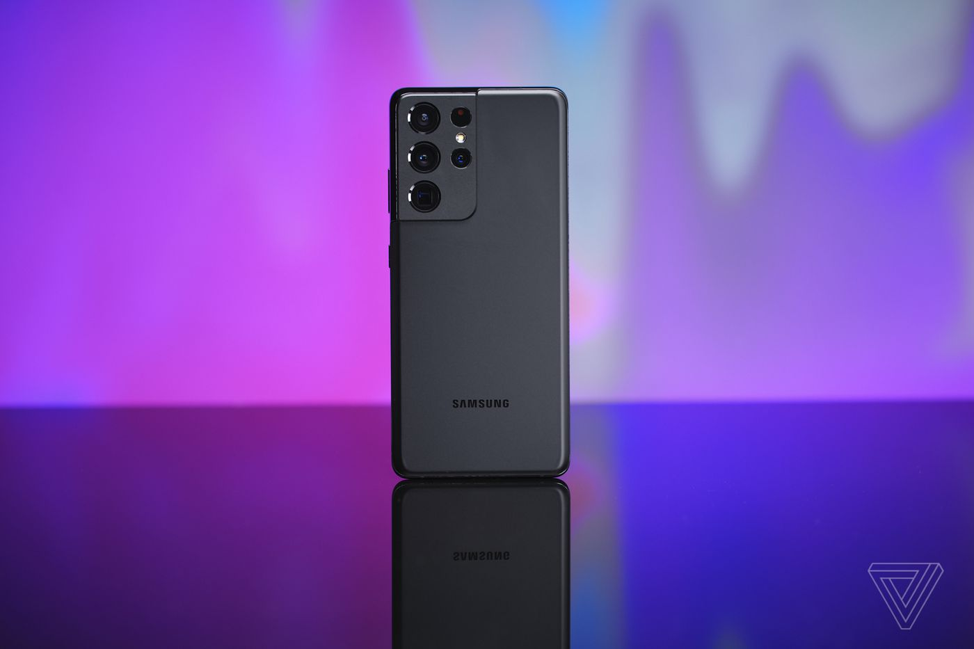 Best Phone 2021 The Top 10 Smartphones To Buy Right Now The Verge