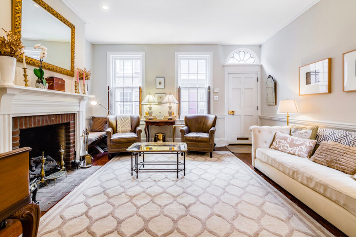 Elfreth\'s Alley home from 1741 re-lists for $749K - Curbed Philly