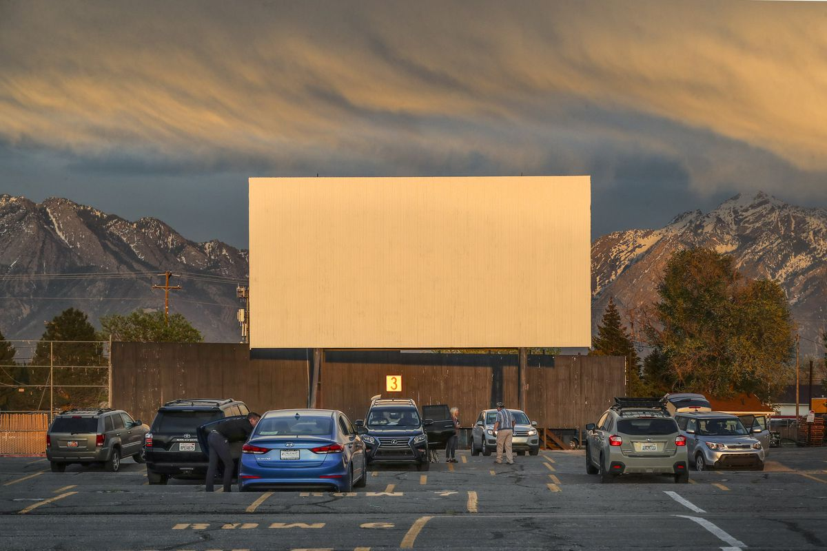 Coronavirus Is Redwood Drive In Theatre Open What Are The Rules Deseret News