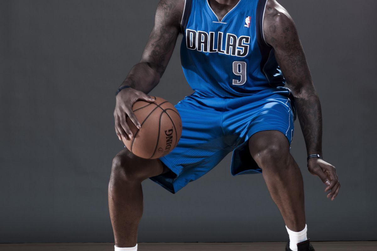 This post has nothing to do with Jae Crowder but HOLY SHIT, WE FINALLY HAVE PICS OF ROOKIES IN OUR SYSTEM WEARING MAVERICK UNIFORMS. OH YES. So far Jae is the only one, but IT'S A STEP FORWARD!