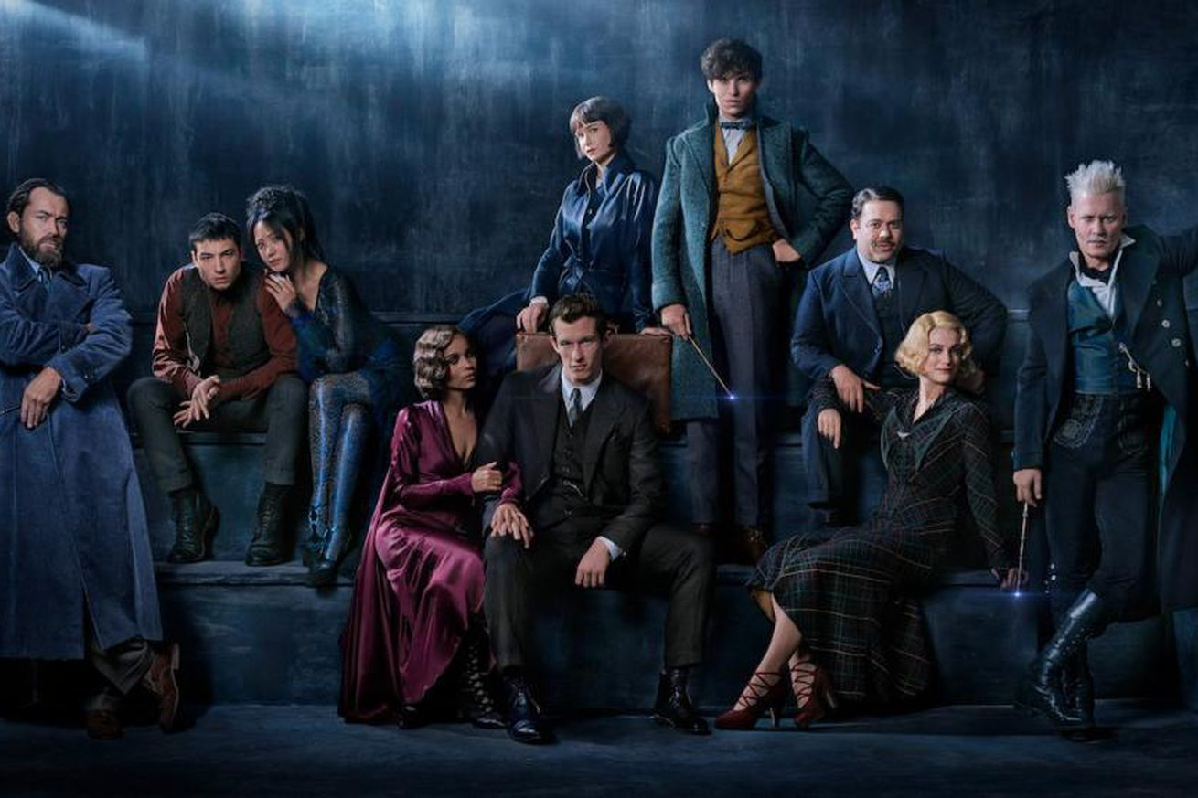 fantastic beasts the crimes of grindelwald gets its first trailer