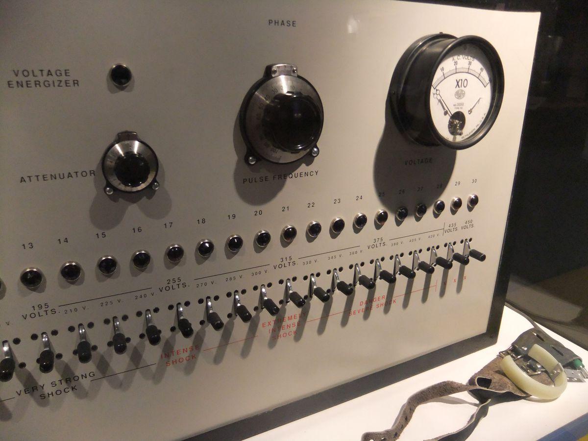 Milgram shock box