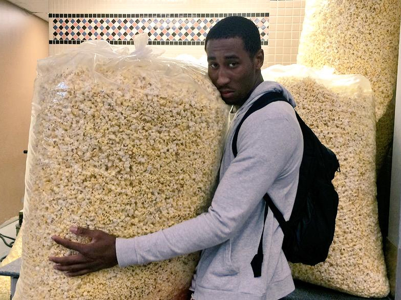 6 7 Nba Player Holds Bag Of Popcorn So Giant It Makes Him Look Like A Small Child Sbnation