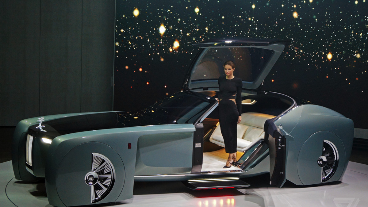 the rolls-royce vision 100 concept is completely, irredeemably