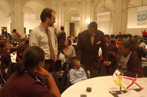 State Senator Kevin Parker of Brooklyn meets with charter school students at the Brooklyn Museum of Art last night (Philissa Cramer/GothamSchools)