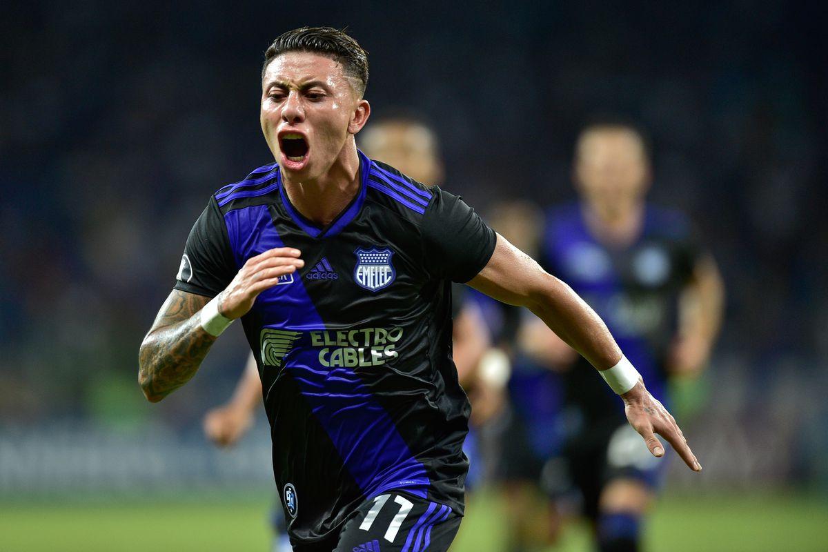 Cruzeiro v Emelec - Copa CONMEBOL Libertadores 2019