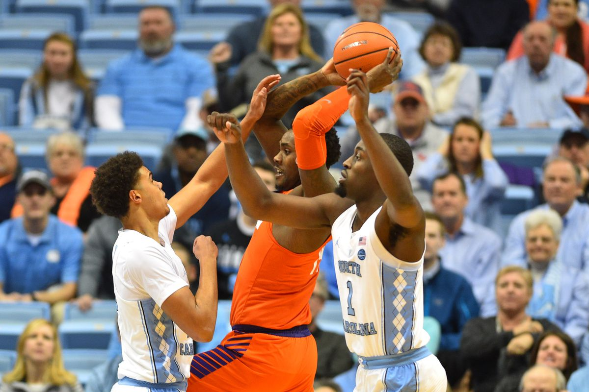 Clemson gets hot but can't snap winless skid at UNC