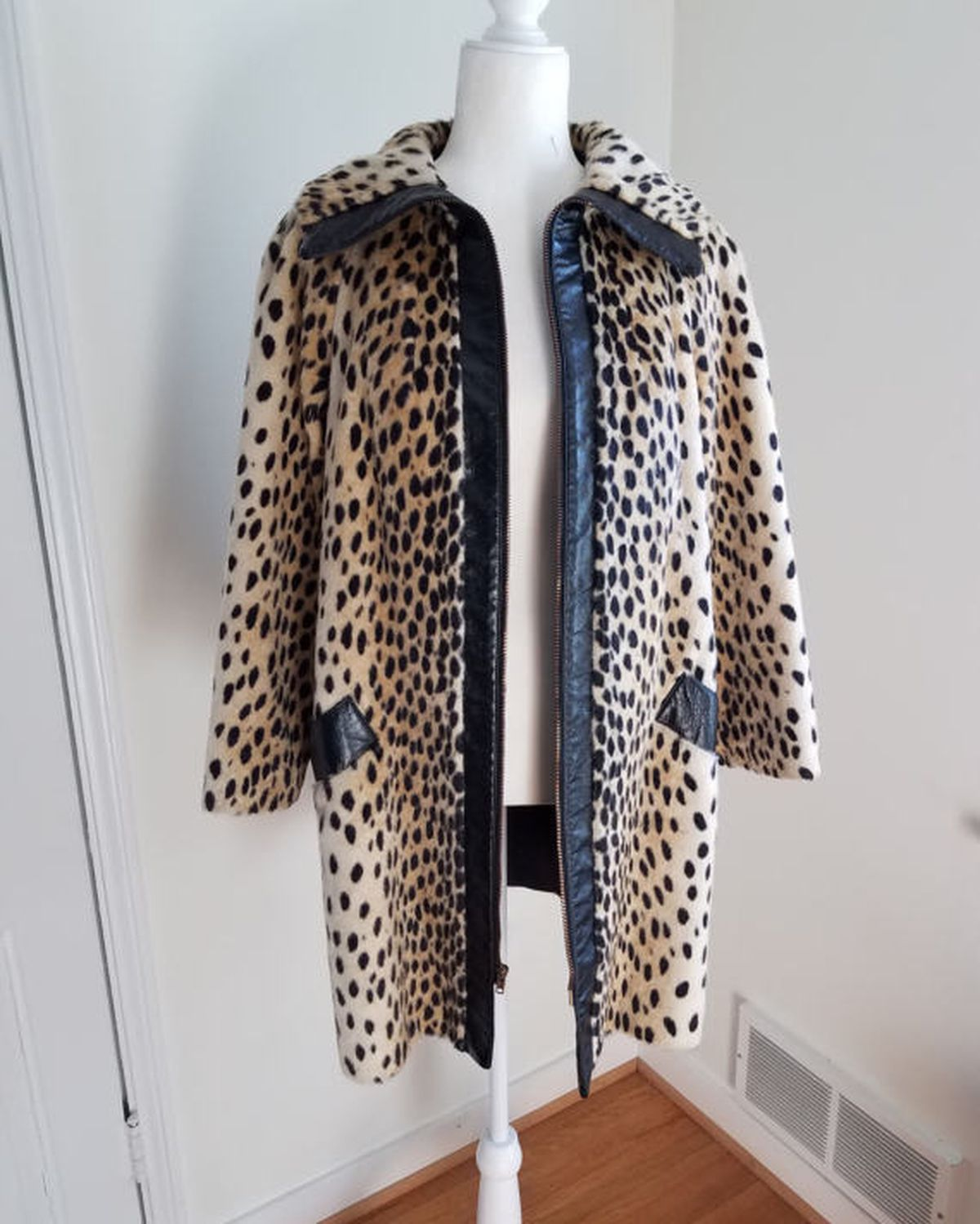 Where Can I Find a Sleek Leopard Coat That Doesn\'t Look Tacky? - Racked
