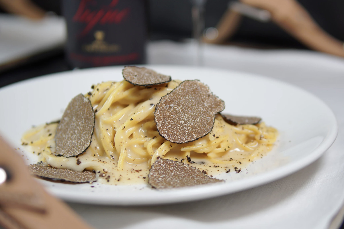 Oak Tuscan Truffle Lounge