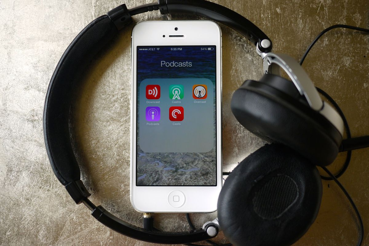 How to Listen to Podcasts: A Guide That Still Has to Be Written in 2015