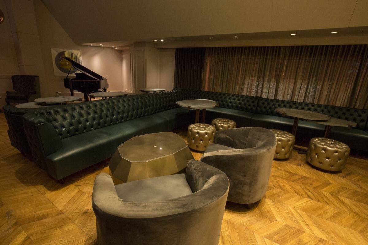 Inside Gold Coast S Lavish New Champagne Lounge Eater