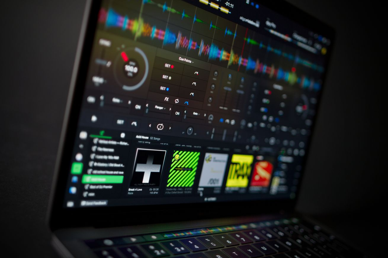 djay pro 2 comes with ai that can mix songs together for you