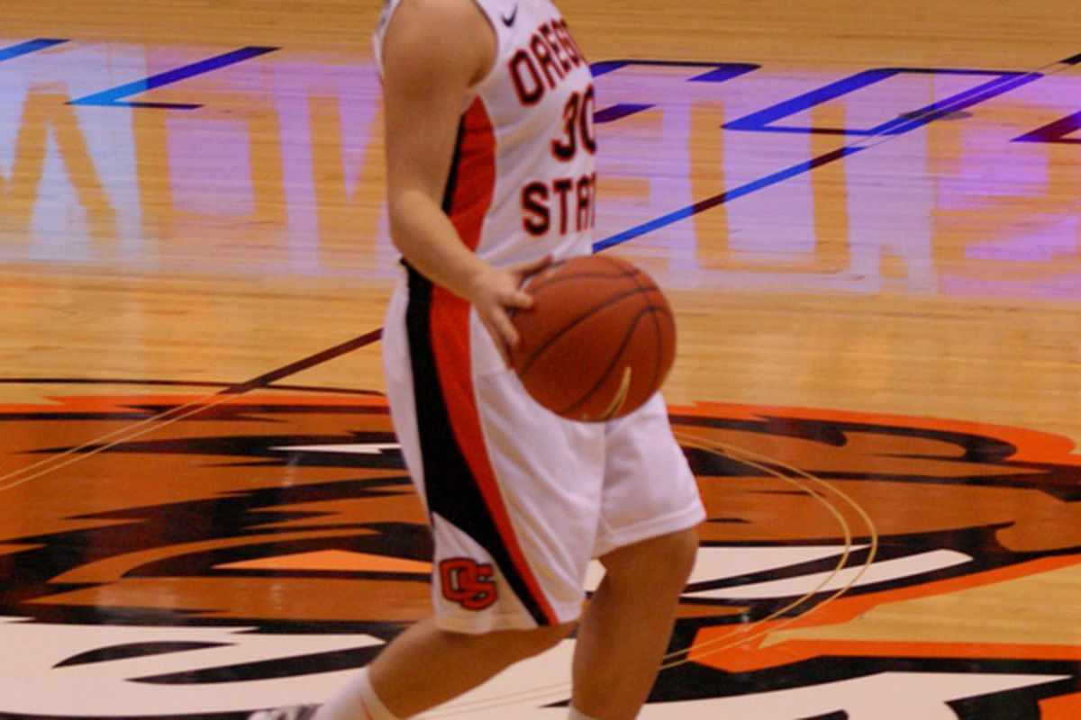 Mollee Schwegler had her career best day to spark Oregon St. past Washington 78-73 on Saturday, and into sole possession of third place in the Pac-12. <em>(Photo by Andy Wooldridge)</em>