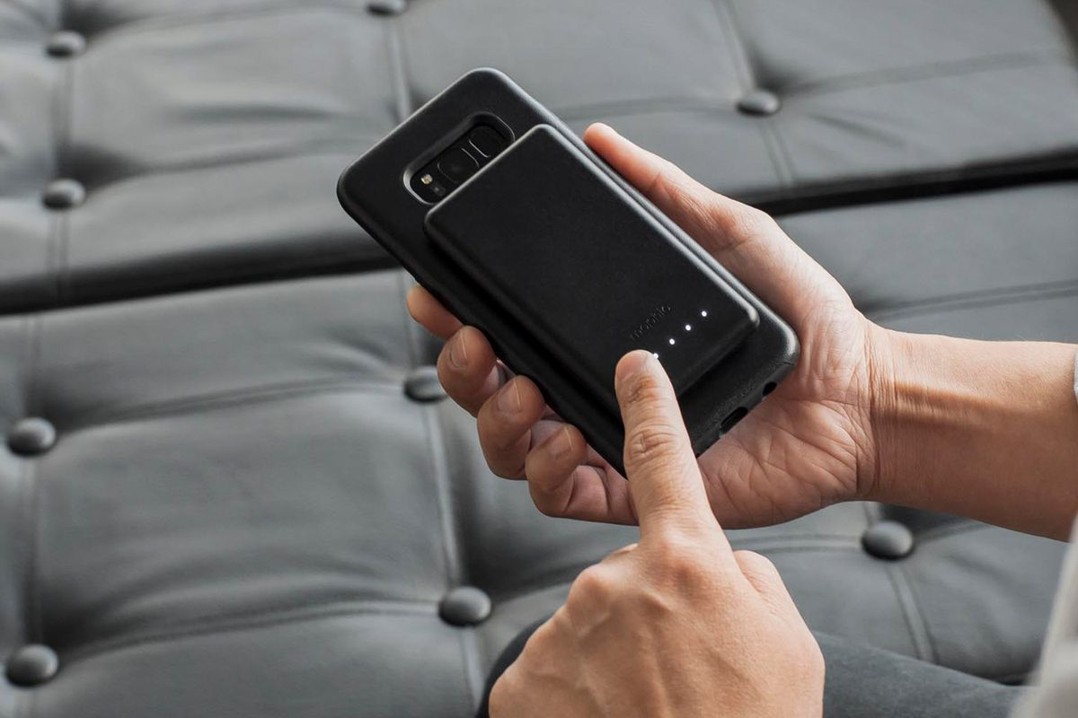 the best attitude 87f5b 84e73 You can wirelessly charge your smartphone anywhere with Mophie's new ...
