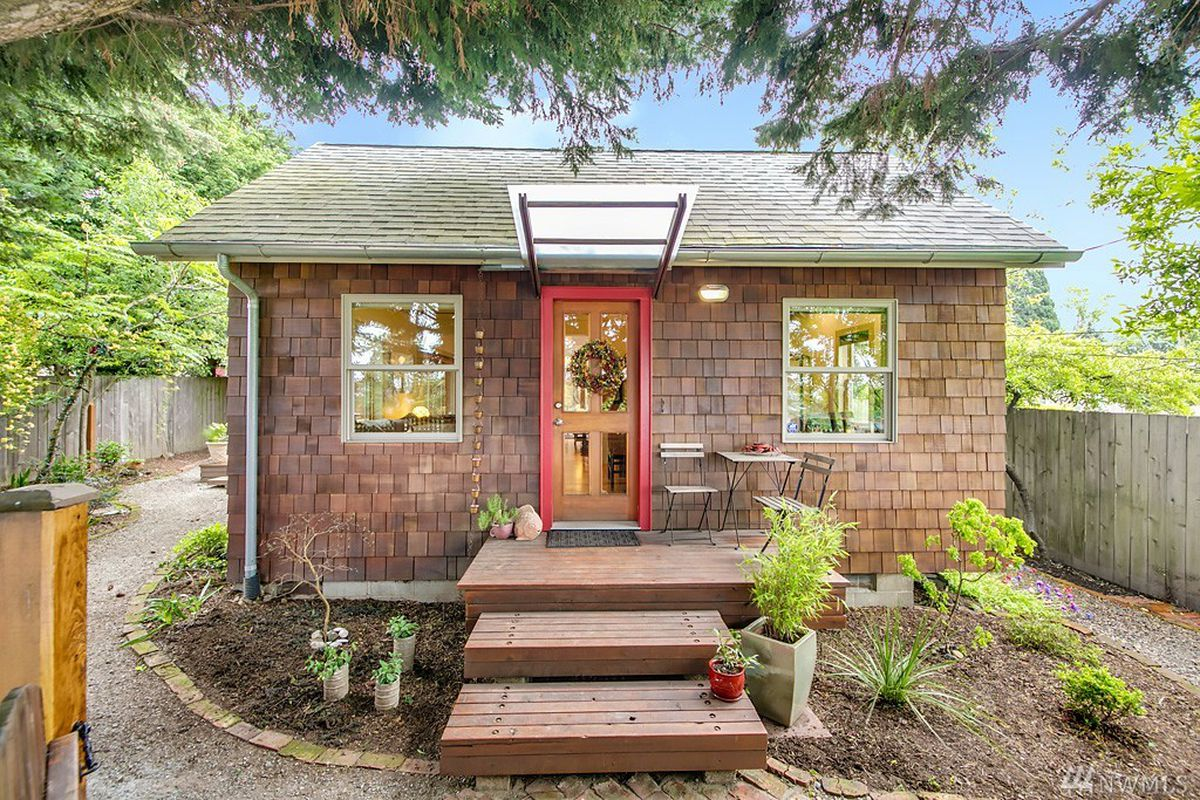 A 1906 Beacon Hill Bungalow Lists At 550K
