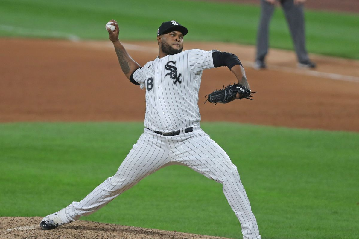 White Sox relief pitcher Alex Colome (48) delivers a pitch during the ninth inning against the Detroit Tigers at Guaranteed Rate Field.
