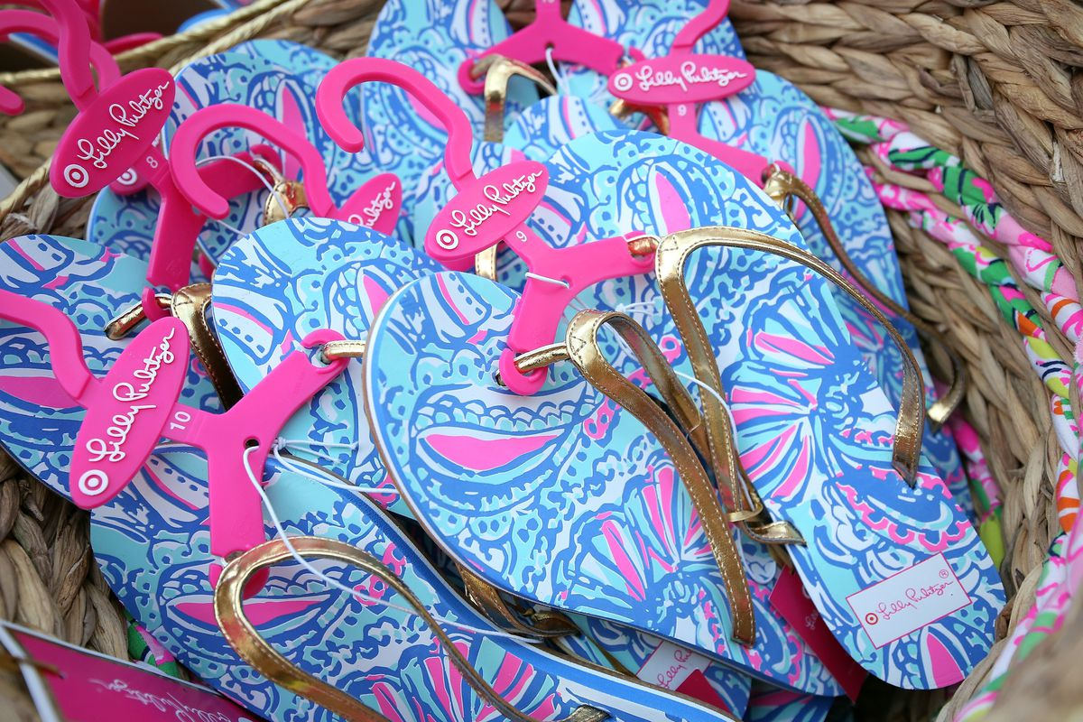 7078ac1630e1c6 Lilly Pulitzer Says It Won't Slap Its Prints on Everything in Your ...