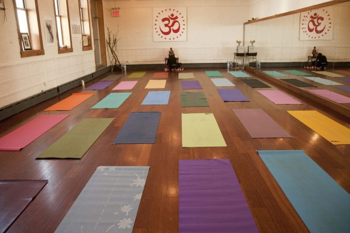 "Photo via <a href=""http://dayayogastudio.com/"">Daya Yoga</a>"