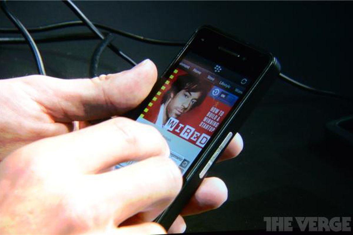 PixelMag BlackBerry 10