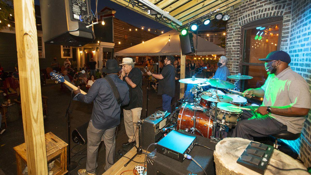 A band playing a night.