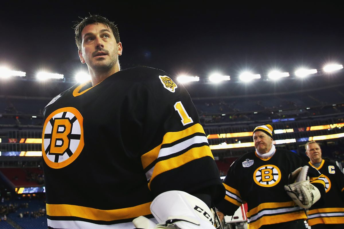 Old Guys Rule. The Bruins Alumni at the Winter Classic (Andrew Raycroft)