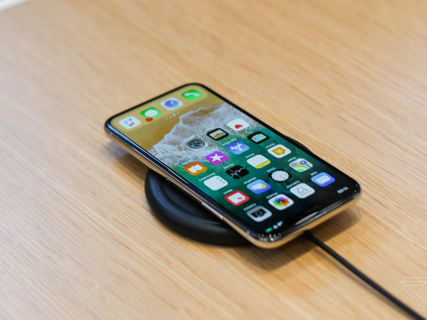 Iphone X Screen Repair Will Cost 279 The Verge