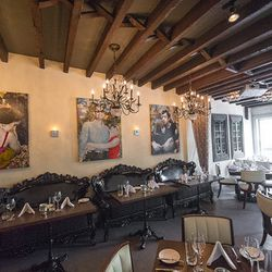 """<a href=""""http://ny.eater.com/archives/2012/07/jezebel_a_new_kosher_american_restaurant_in_soho.php"""">NYC: <strong>Jezebel</strong>, a New Kosher American Restaurant in Soho</a> [Krieger]"""