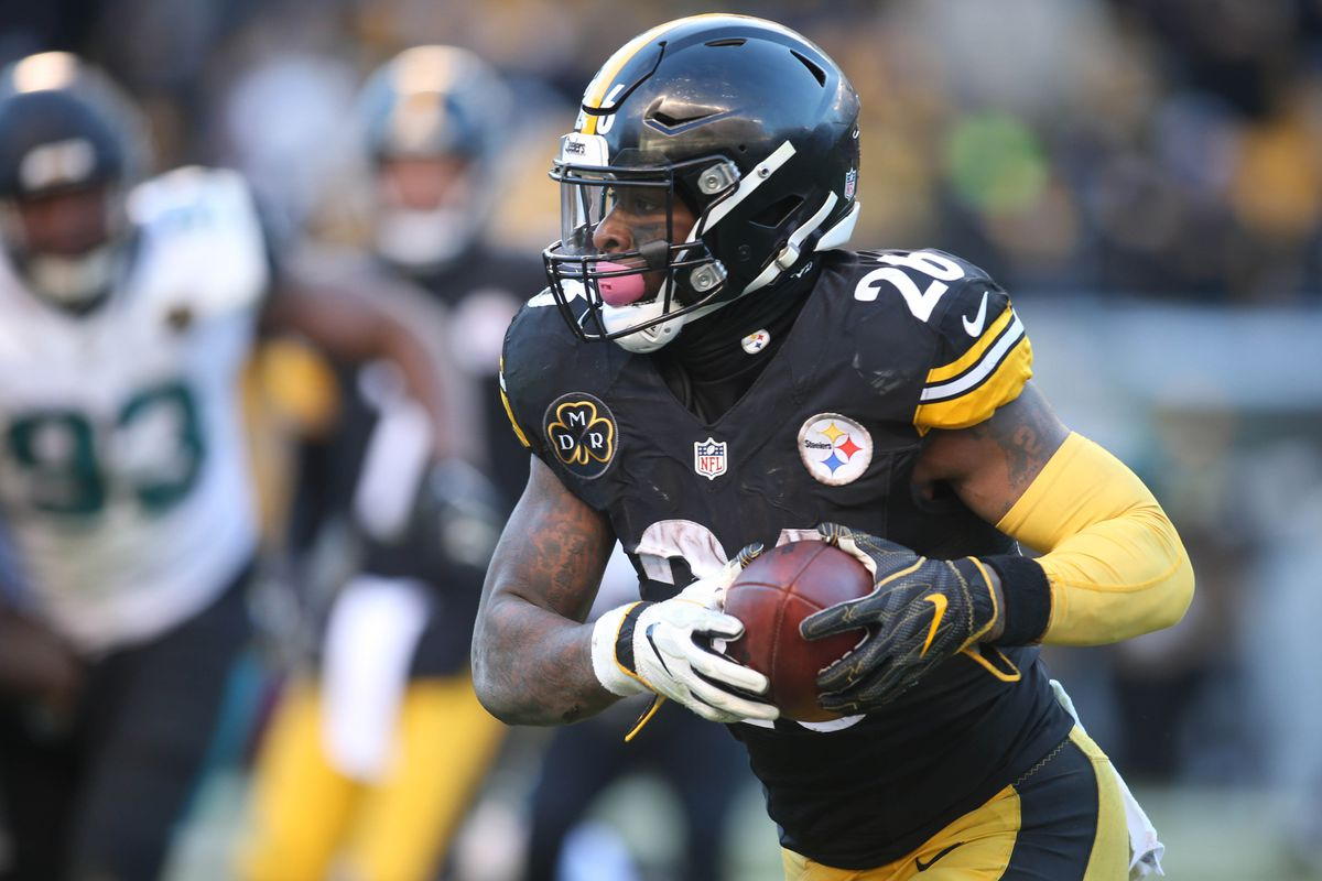 7052093754a Steelers fans want Le'Veon Bell to leave, Pirates fans want 'Cutch' to come  back