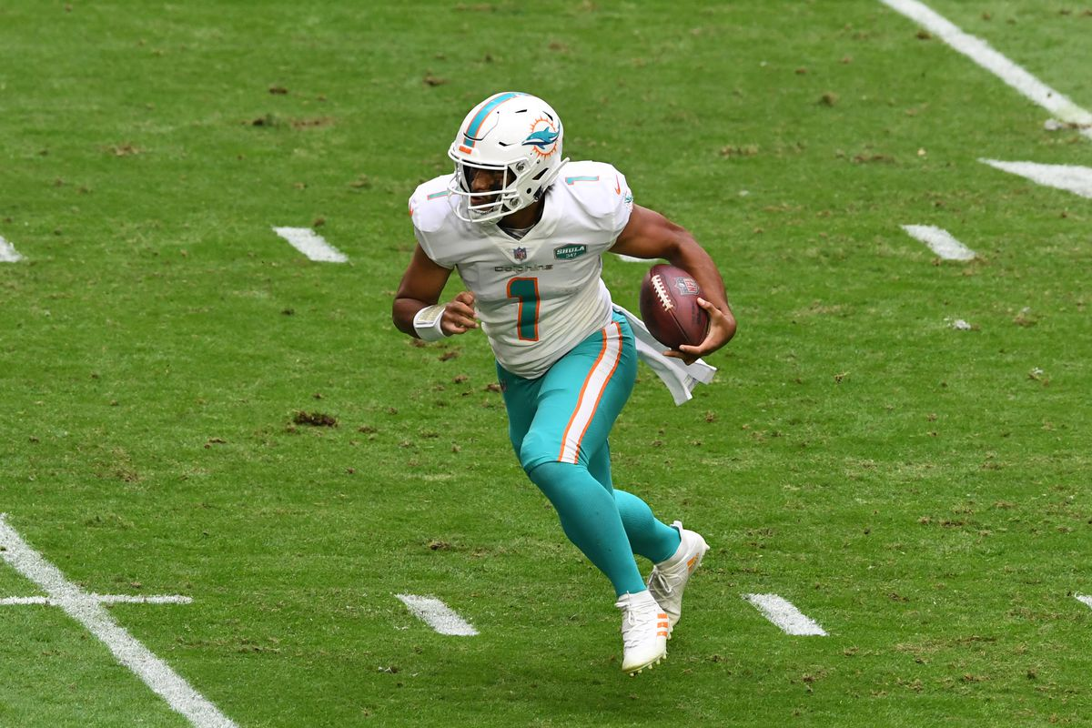 Tua Tagovailoa Fantasy Football Start Sit Advice What To Do With The Dolphins Qb In Week 10 Draftkings Nation