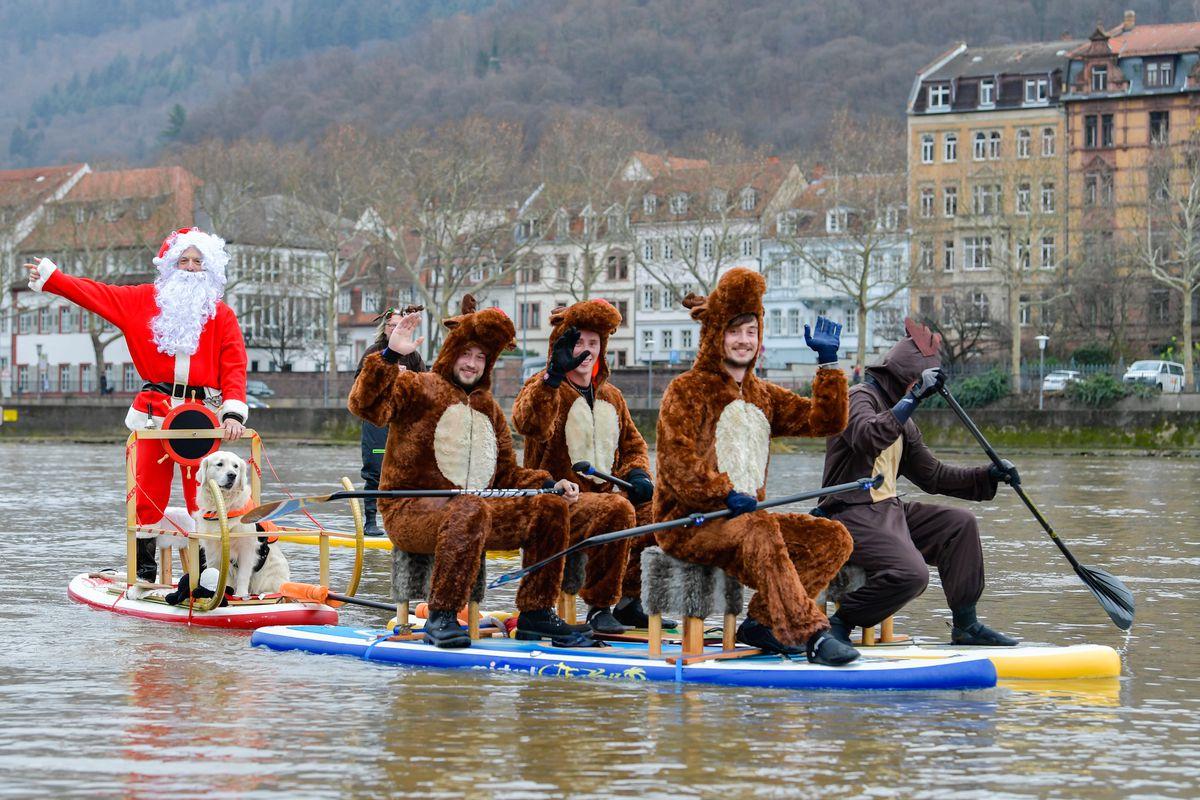 Santa Claus travels via Neckar
